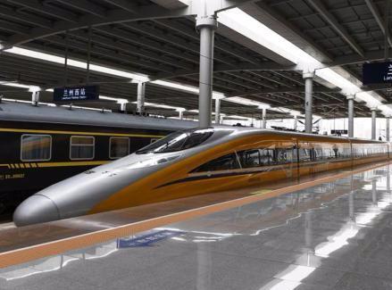 中国脑中国心高科技高铁动车亮相 国产化率90%以上