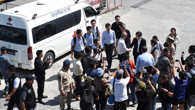 泰国普吉岛查龙码头今日停航,中国驻泰大使抵达搜救中心