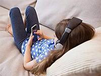 日本过半数学龄前儿童曾使用智能手机 会给孩子带来哪些影响