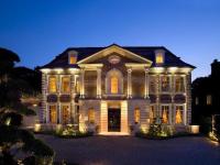 """海外买家购英豪宅必须公布身份 中国富豪买的""""它们""""长啥样"""