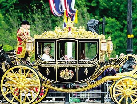 """""""富贵满身""""的特朗普再出新招 访英时要求乘坐""""黄金马车"""""""
