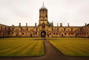 大学本科学位含金量遭质疑 英国文凭还是香饽饽吗?