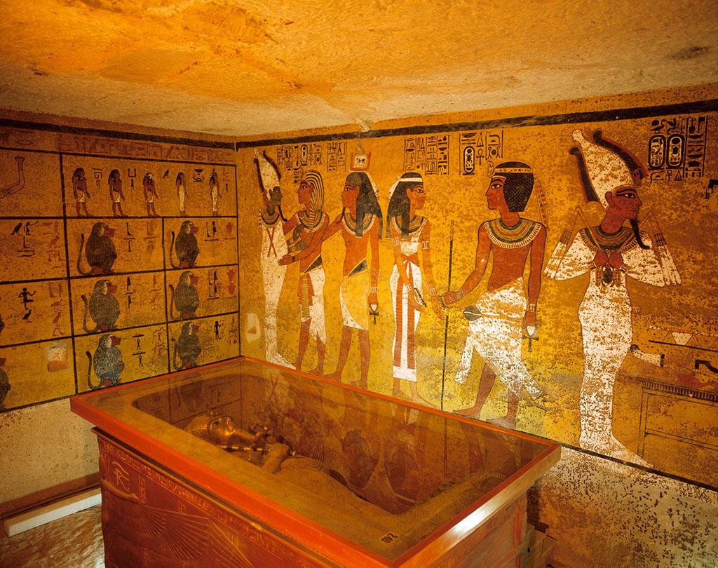 沉睡近百年 古埃及著名法老图坦卡蒙金饰首度亮相