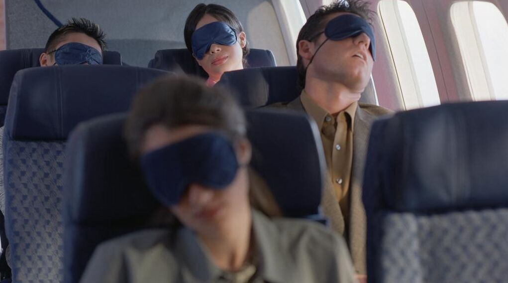 """岁末""""飞机大盗""""出没 飞机上没你想得那么安全"""